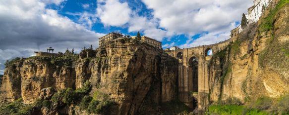 El Puente Nuevo, primer atractivo de Málaga y tercero de Andalucía, La plataforma de experiencias Musement ha elaborado un mapa que recoge los principales reclamos de las provincias españolas basándose en reseñas de Google, 09 Jul 2021 - 17:34
