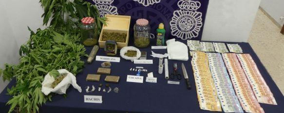 La Policía Nacional desmantela un punto de venta de drogas en La Dehesa, El operativo se ha saldado con la detención de una mujer de 53 años y su hijo de 23 como presuntos responsables de un delito de tráfico de drogas, 20 Aug 2021 - 15:04