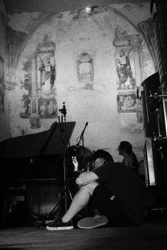 La capilla de la Bodega Descalzos Viejos permite registrar una acústica peculiar. // Miguel Retamero