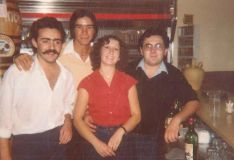 A la derecha de la imagen Teresa Pinzón y su marido Cristóbal Carrillo, gerentes de Las Caballerías en la actualidad. // Las Caballerías