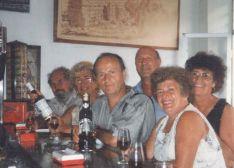 En 1995 un grupo de italianos se retrató en el emblemático bar y, posteriormente, enviaron la instantánea a los dueños a modo de agradecimiento. // Las Caballerías