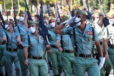 Los legionarios volvieron a formar con mascarillas.  // Manolo Guerrero