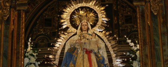 Todo preparado para el inicio de los cultos en honor a Nuestra Señora de La Paz, Multitud de fieles acuden cada año a la novena y misas de la Patrona de Ronda, 12 Jan 2012 - 19:06