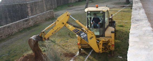 Comienza la rehabilitación del espacio escénico de las Murallas del Carmen, La actuación cuenta con un plazo de ejecución de dos meses y un presupuesto de 100.000 euros, 26 Jan 2012 - 17:54