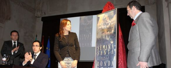 La Agrupación de Hermandades y Cofradías presenta el cartel oficial de la Semana Santa, El trabajo ha sido realizado por el pintor sevillano Daniel Franca, 01 Feb 2012 - 16:20