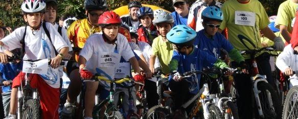 Éxito participativo en el Día de la Bicicleta, Día sin Alcohol, Unas cuatrocientas personas participaron en la prueba, con salida desde los Jardines de Blas Infante. , 15 Nov 2010 - 22:24