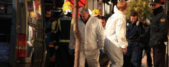 Fallece un hombre de 79 años en un incendio en la calle Antonio Ordóñez, El siniestro, cuyo aviso fue recibido a las diez horas de esta mañana, ha podido ser provocado por un brasero, 08 Feb 2012 - 13:56