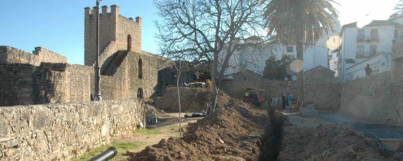 El Ayuntamiento acondiciona como espacio escénico y de ocio las Murallas del Carmen, Aparecen en el recinto restos arqueológicos de la Edad Media, que serán debidamente protegidos, 09 Feb 2012 - 15:36