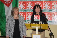 Isabel María Barriga, junto a la secretaria general del Partido Andalucista, Pilar González. // CharryTV