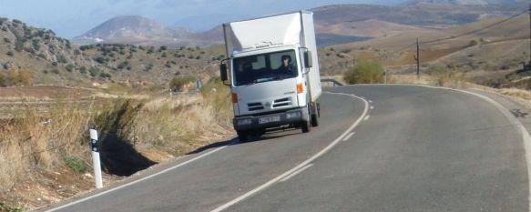 Una persona fallece y otra resulta herida tras una colisión entre dos vehículos frigoríficos, El accidente se producía a las 7:25 horas en el kilómetro 20 de la carretera que conecta Ronda con Ardales, muy cerca de Cuevas del Becerro. , 15 Nov 2010 - 16:59