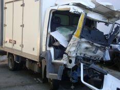 El otro vehículo era un camión que transportaba fruta y que se dirigía a Ronda. // CharryTV