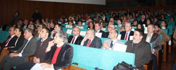 El Ayuntamiento dedica un homenaje a los profesores jubilados, En el acto se recordó emotivamente a varios docentes fallecidos durante los últimos años., 24 Feb 2012 - 16:24