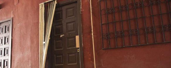 Causan importantes daños materiales en la galería comercial de plaza Carmen Abela, Por otro lado, la policía ha detenido a dos mujeres que perpetraban un robo a un anciano de 80 años en su domicilio, 25 Feb 2012 - 13:32