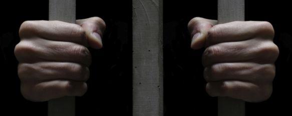 La Hermandad de Paz y Caridad y de la Vera+Cruz indultará a un preso , El recluso, que es rondeño, participará también en el desfile procesional del Jueves Santo, 22 Mar 2012 - 23:02