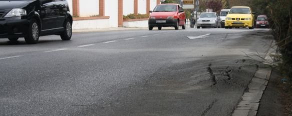 El Ayuntamiento aprueba el plan de mejora de uno de los tramos de avenida de Málaga, La actuación contará con una inversión de unos 290.000 euros procedentes de la Diputación Provincial  , 30 Mar 2012 - 19:27