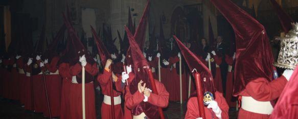 Los Gitanos tampoco procesionan, cerrando un gris Domingo de Ramos, Es la primera vez que se da esta circunstancia desde el primer desfile procesional de la hermandad en 2004 , 01 Apr 2012 - 21:47