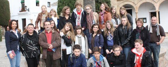 Estudiantes franceses participan en un programa de intercambio lingüístico en Ronda, Los alumnos, que cursan 1º y 2º de Bachillerato, residen en los domicilios de sus compañeros rondeños, 11 Apr 2012 - 20:03