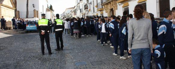Mil escolares de La Inmaculada y Las Esclavas participan en dos simulacros de incendio, Han sido evacuados de las aulas por efectivos de la Policía Local y del Consorcio Provincial de Bomberos, 25 Apr 2012 - 19:32